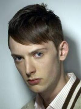 подстрижка с бретон настрани за продълговато лице