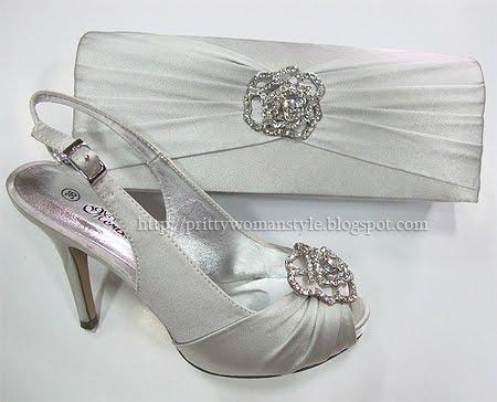 сребристо-сиви сандали с чанта