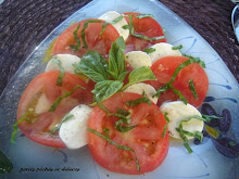 Salade de tomates et bocconcini au basilic