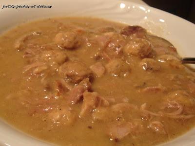 Cuisine et Gastronomie  - Page 2 Rago%C3%BBt+de+boulettes+et+pattes+de+porc+1