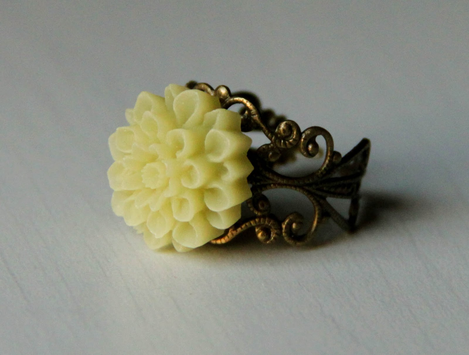 Resin Chrysanthymum ring
