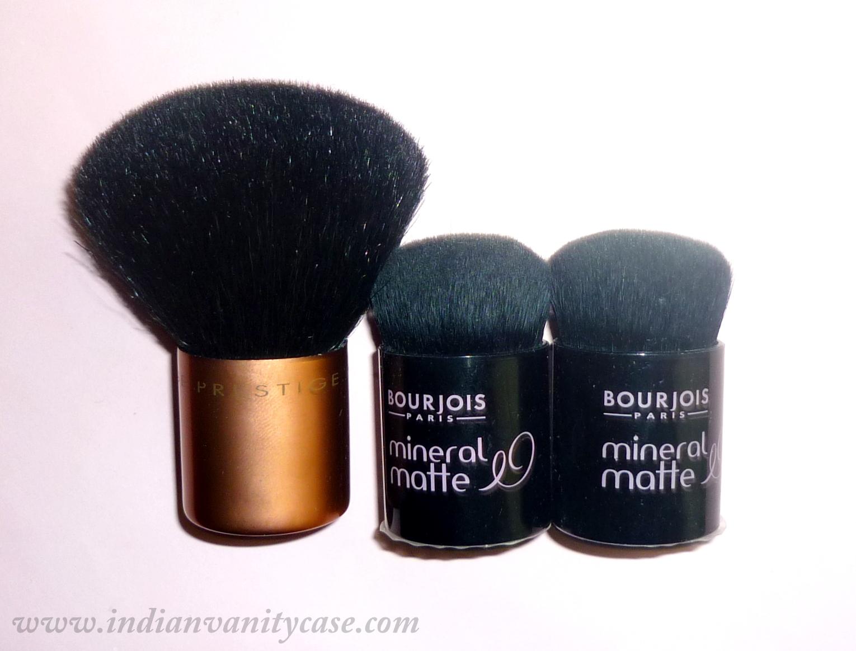 http://1.bp.blogspot.com/_K-Xz3c9hTQc/THYYXYLL74I/AAAAAAAADEQ/UgmcZoi3Blw/s1600/how+to+store+kabuki+brushes.jpg