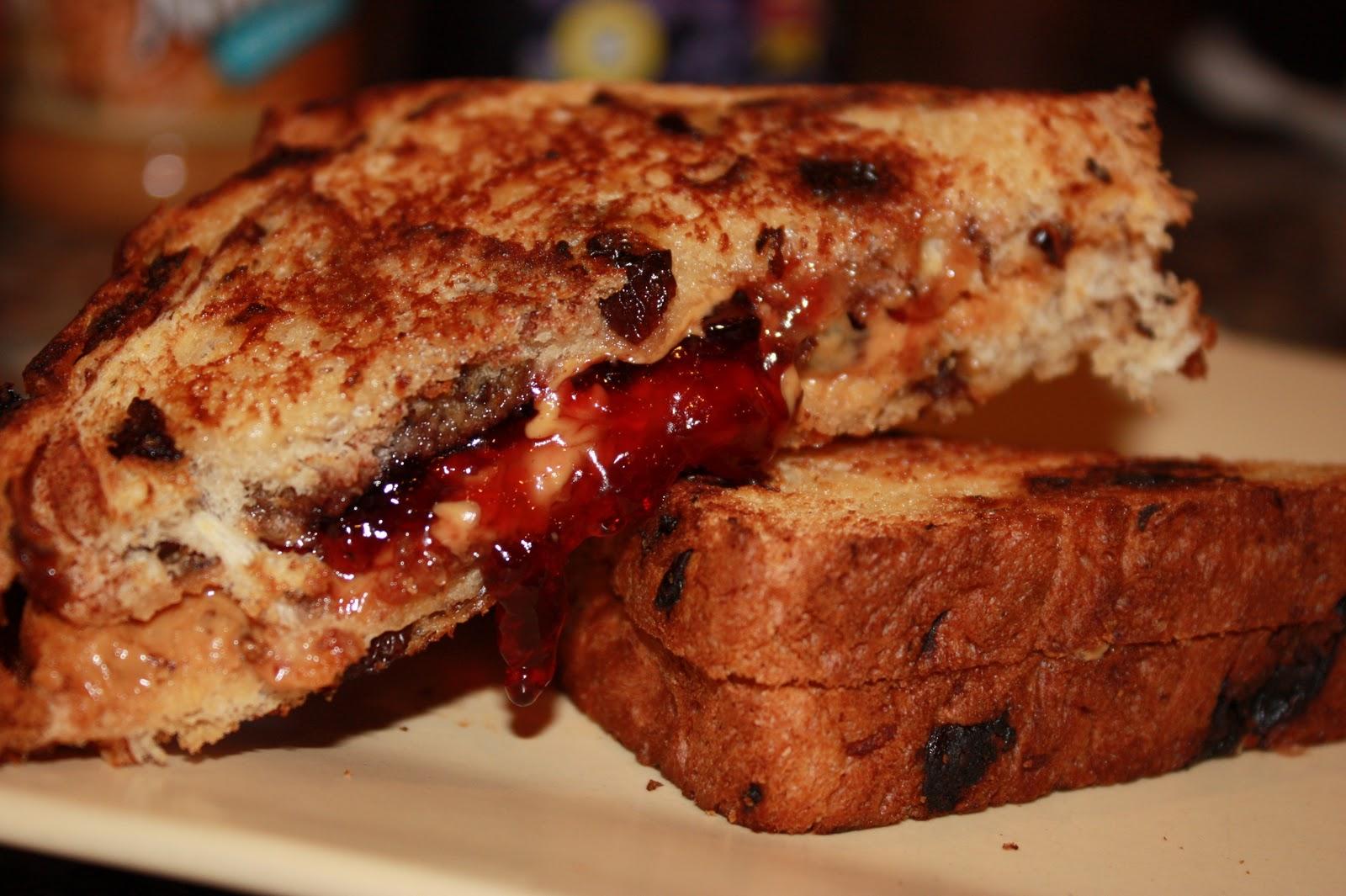 Bellabits: Grilled Peanut Butter & Jelly on Raisin Bread