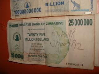 En Zimbabwe sí se dan duros a cuatro pesetas