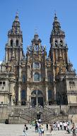 De Cathedraal waar de heilige Jacobus, apostel van Jezus ligt begraven, het beeld kun je kussen