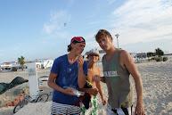 Boys met de Infra instructuur in Ilha Culhatra