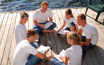 важность изучения Библии со всей семьей