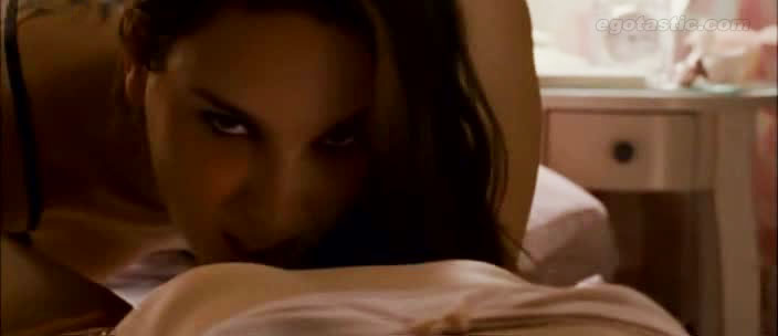 Natalie portman lesbian sex video