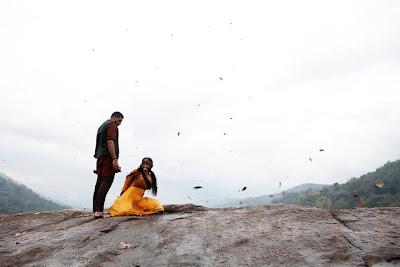 Abishek and Ash in Raavan movie stills