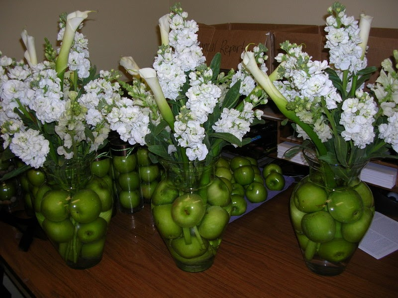 Plan organize decorate tabletop tuesday apple centerpieces junglespirit Image collections