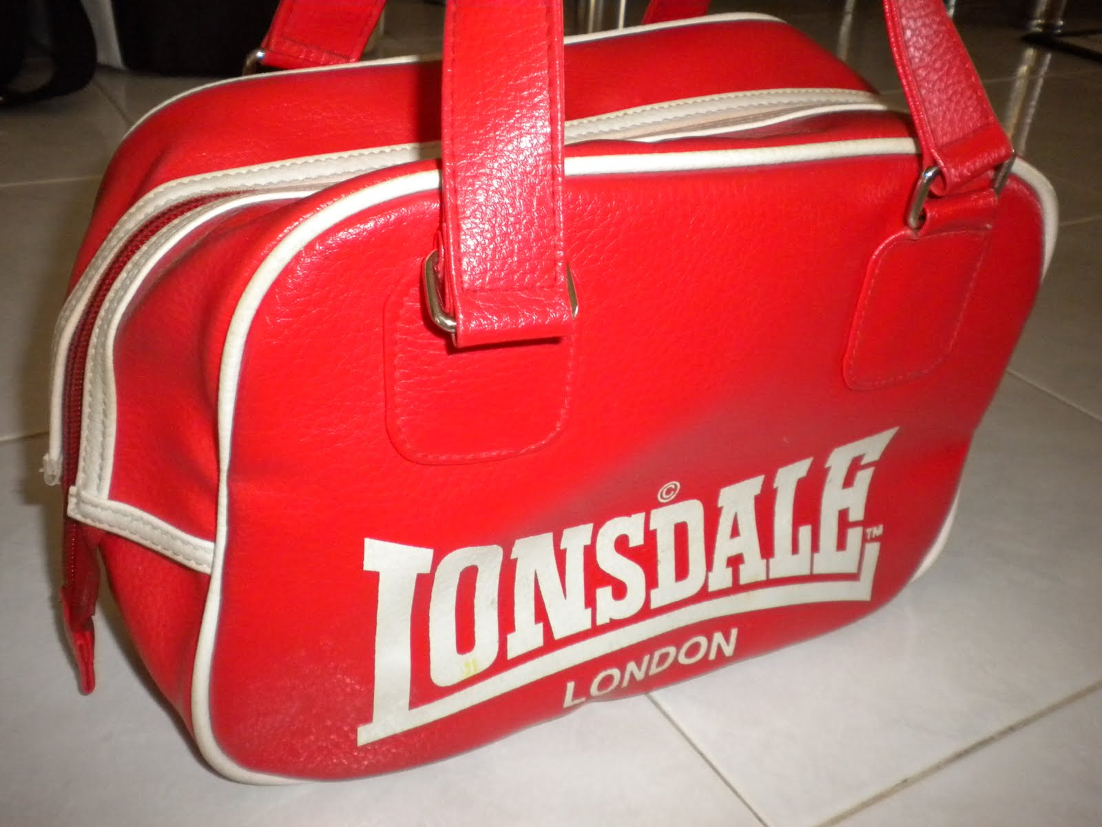 fashion in musick!  lonsdale bowling bag c204c3b494cca