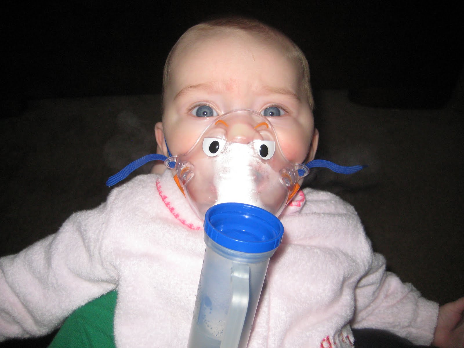 how to help a baby with bronchiolitis