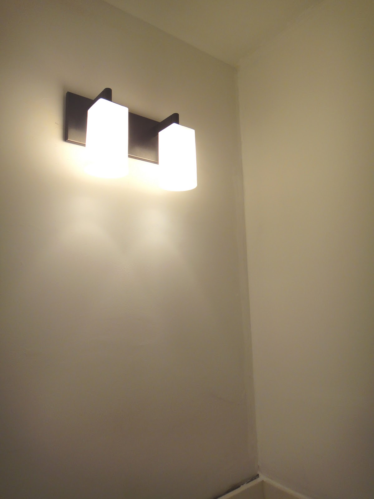 Vanity Light With Power Outlet : Bathroom Lighting With Electrical Outlet Simple Home Decoration