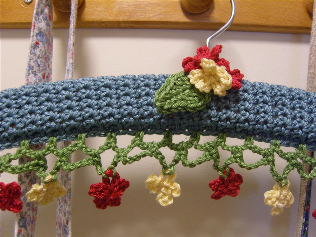 MarmaladeRose: Crochet Coat Hanger.