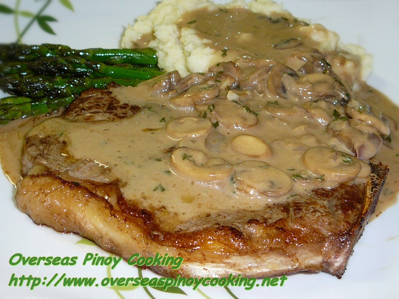 T-Bone Steak with Mushroom Gravy