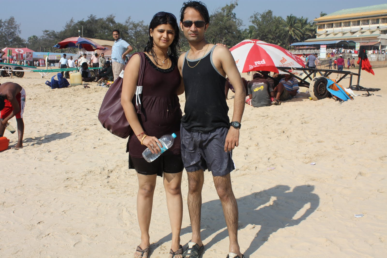 goa beach girls