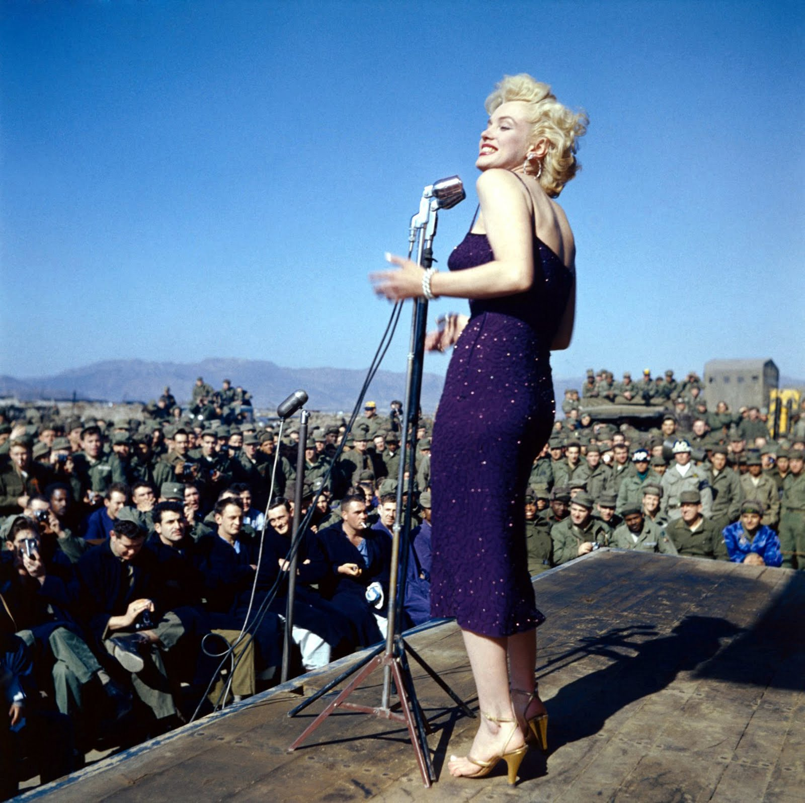 http://1.bp.blogspot.com/_KDBb8Cf_vM0/SwvR0hkdMtI/AAAAAAAAABw/7coPa8dIXbE/s1600/Marilyn+Monroe+07.jpg