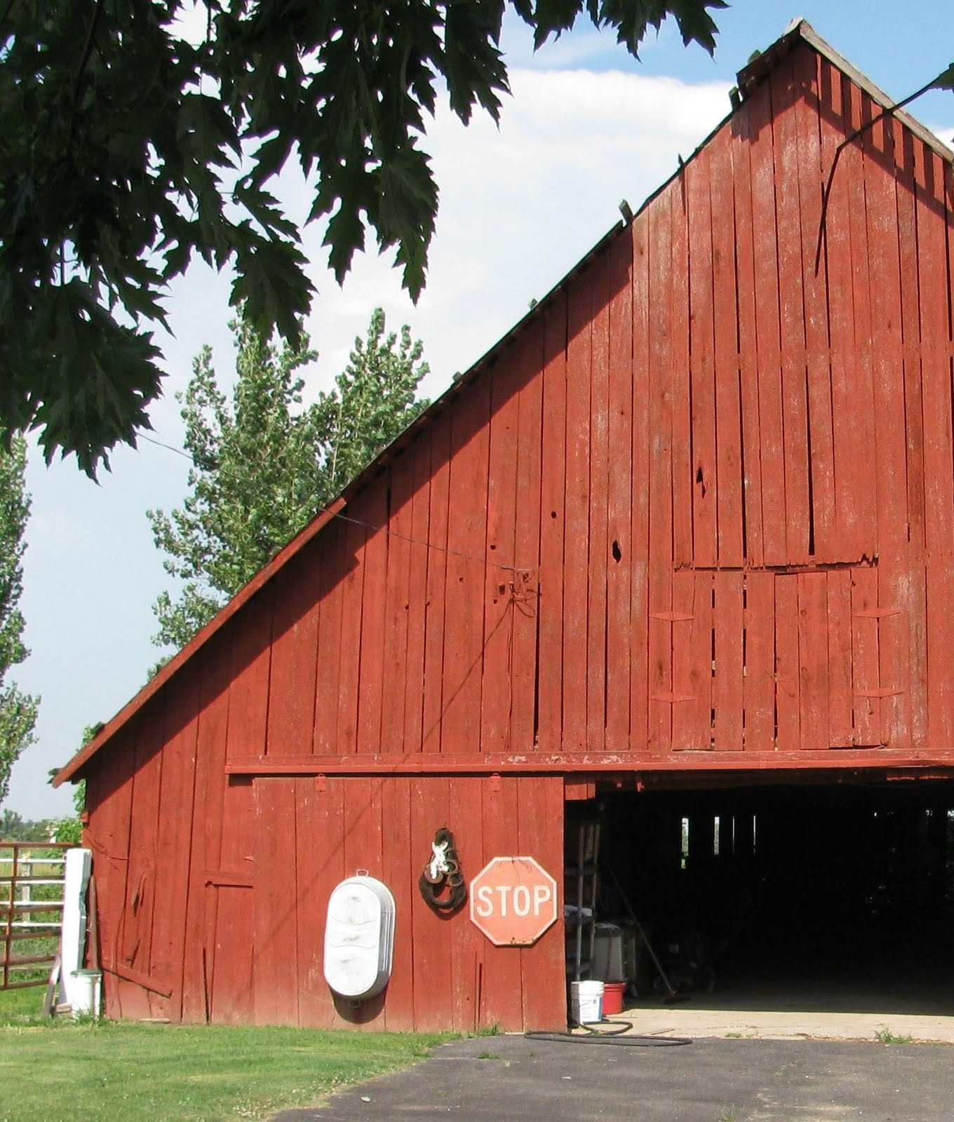 Barn Creations: Old Red Barn