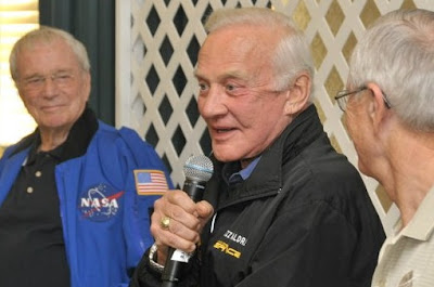 Scott Carpenter, Buzz Aldrin