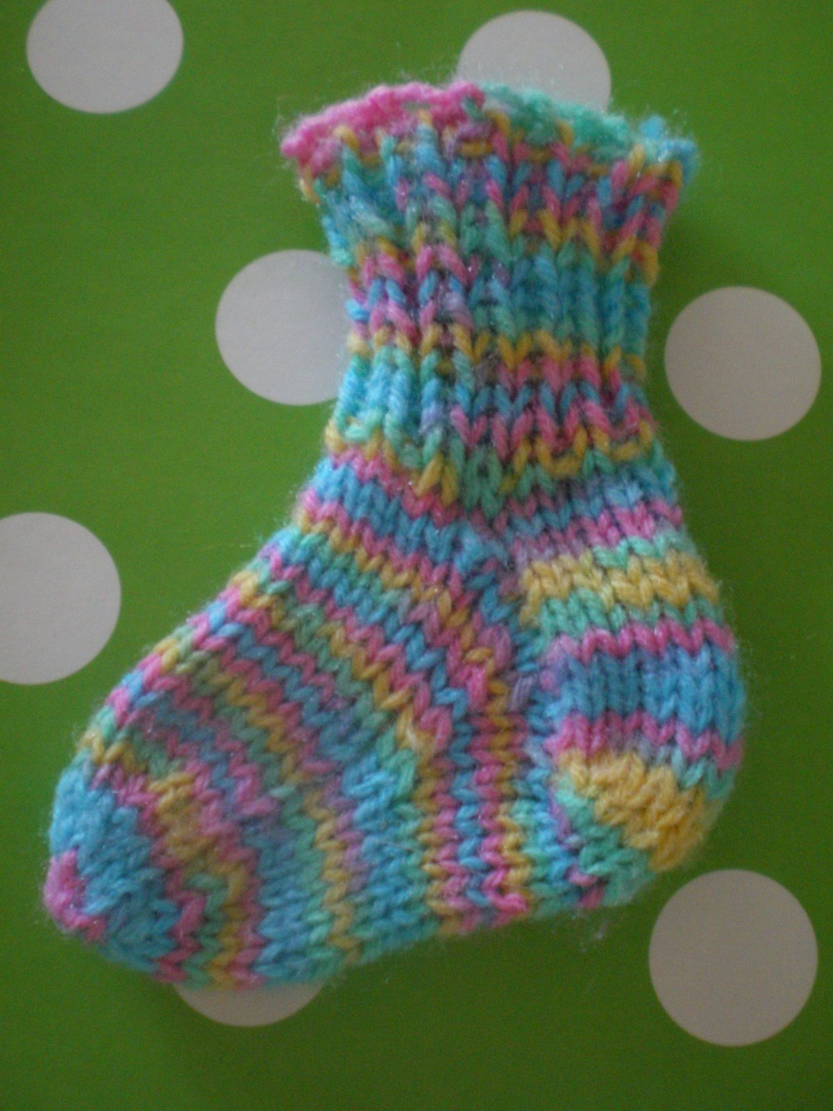 Newborn and Preemie Sock Pattern | One Ordinary Woman