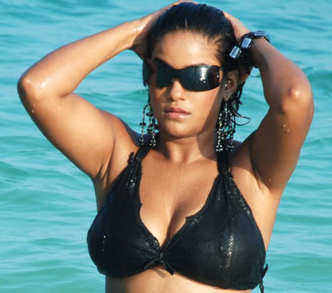 mumaith khan hot wallpapers