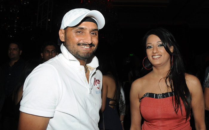 harbhajan trying to impress bollywood actress