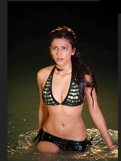 http://1.bp.blogspot.com/_KFpt7pcZGQY/SlWU1zbyqiI/AAAAAAAAKHs/zejb2oE_6uY/s1600/shruti_hassan_hot_bikini.jpg
