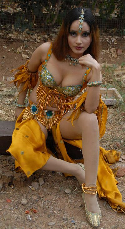 http://1.bp.blogspot.com/_KFpt7pcZGQY/Su7Dg-O1BsI/AAAAAAAALZ8/MrRQLy5695E/s1600/anu_vaishnavi_hot2.jpg