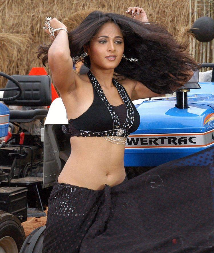 Anushka Shetty hOt in Black mini Dress