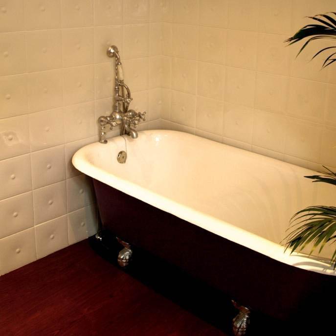 Tinas De Baño Con Patas: para decorar tu casa: Un ático recién reformado en el centro de