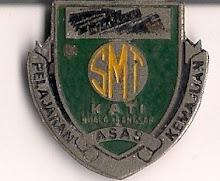 Lencana sekolah teman dimiliki tahun 1973.