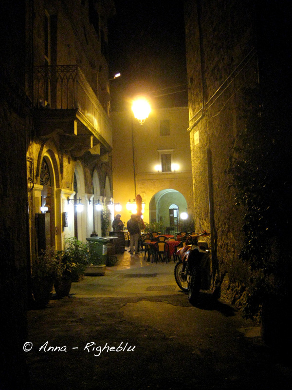 - IMG_Sarteano_centro_notturno_Anna_Righeblu_idee_weekend_Anna_Marrocco
