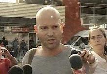 El Director Marc Forster dando entrevistas