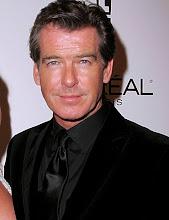 El talentoso Pierce brosnan realizó 4 películas como 007