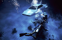 Inconfundible escena submarina... el Lotus Esprit de 007...