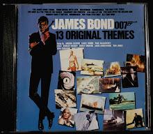 Uno de los tantos CD´s con temas originales de la saga Bond...