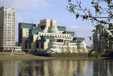 Cuartel general de la agencia de inteligencia conocida como MI6, la casa Bond...