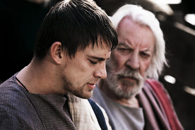 Channing Tattum and Donald Sutherland in the Eagle of the Ninth