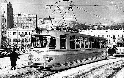 Трамвай на Европейской площади
