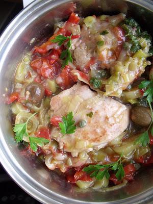"""Articole culinare : MINCARE RECE DE PUI CU PRAZ SI """"7 AROME ROMANESTI""""( CHICKEN & LEEK  COLD  STEW WITH 7 ROMANIAN FLAVORS)"""