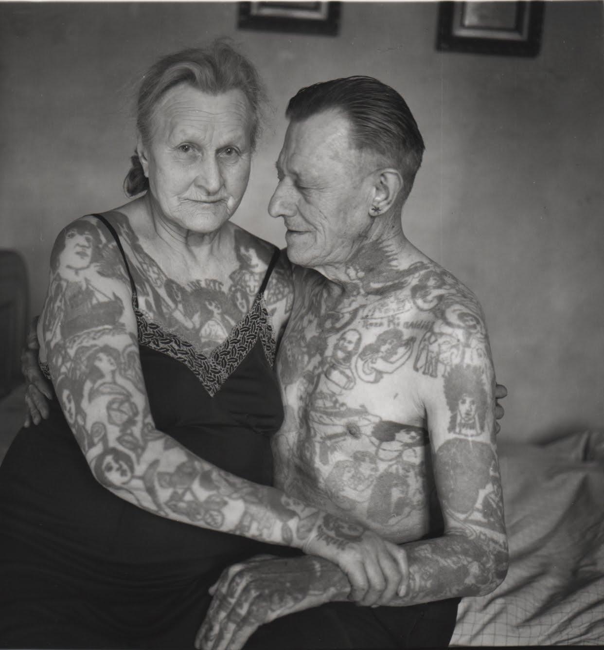 Старик трахає молоду фото 26 фотография