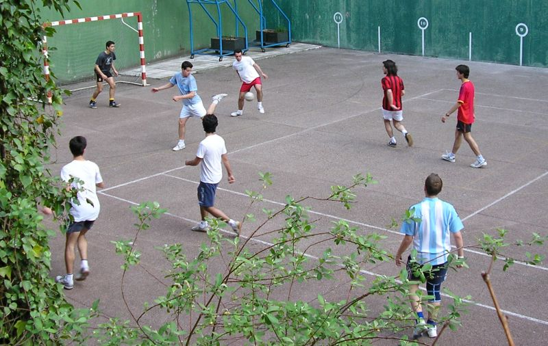 Colegios como clubes de fútbol
