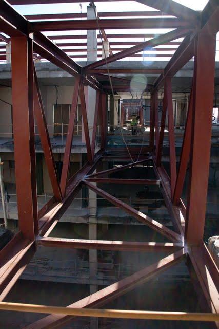 Berra blog calle hospitalaria y pasarelas en el hospital for Forjado estructura metalica