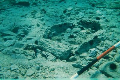 Ditemukan Kota Tertua di Bawah Laut, Pavlopetri  Pavlo+cist+grave