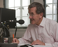 Neil MacGregor recording the A history of the World series. © The Trustees of the British Museum