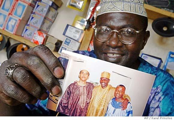 http://1.bp.blogspot.com/_KMjHfqqmal8/TG2WCyqiGuI/AAAAAAAABRs/y_C-Q4AARL4/s1600/ObamaMuslimLarge.jpg