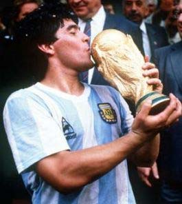diego armando maradona napoli argentina storia