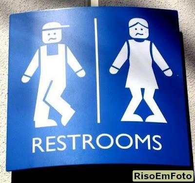 Placa de banheiro masculino e feminino
