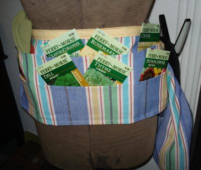 tablier de jardinier le blog de bricolesetutos. Black Bedroom Furniture Sets. Home Design Ideas