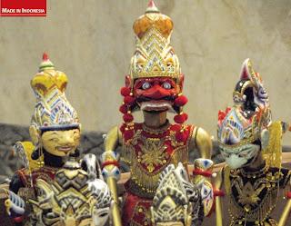 wayang golek wooden handicrafts bandung Indonesia